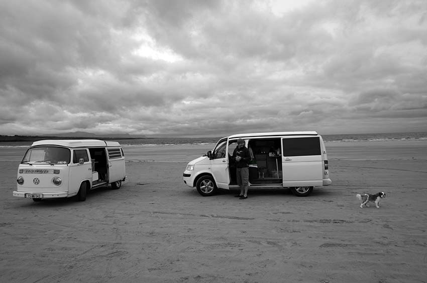 Lazydays, Snow T5 Volkswagen Van, Surf boards